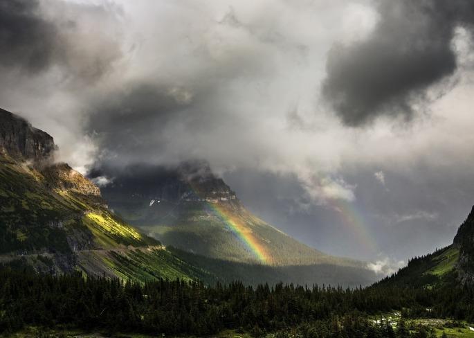 mountain-range-1068385_1920